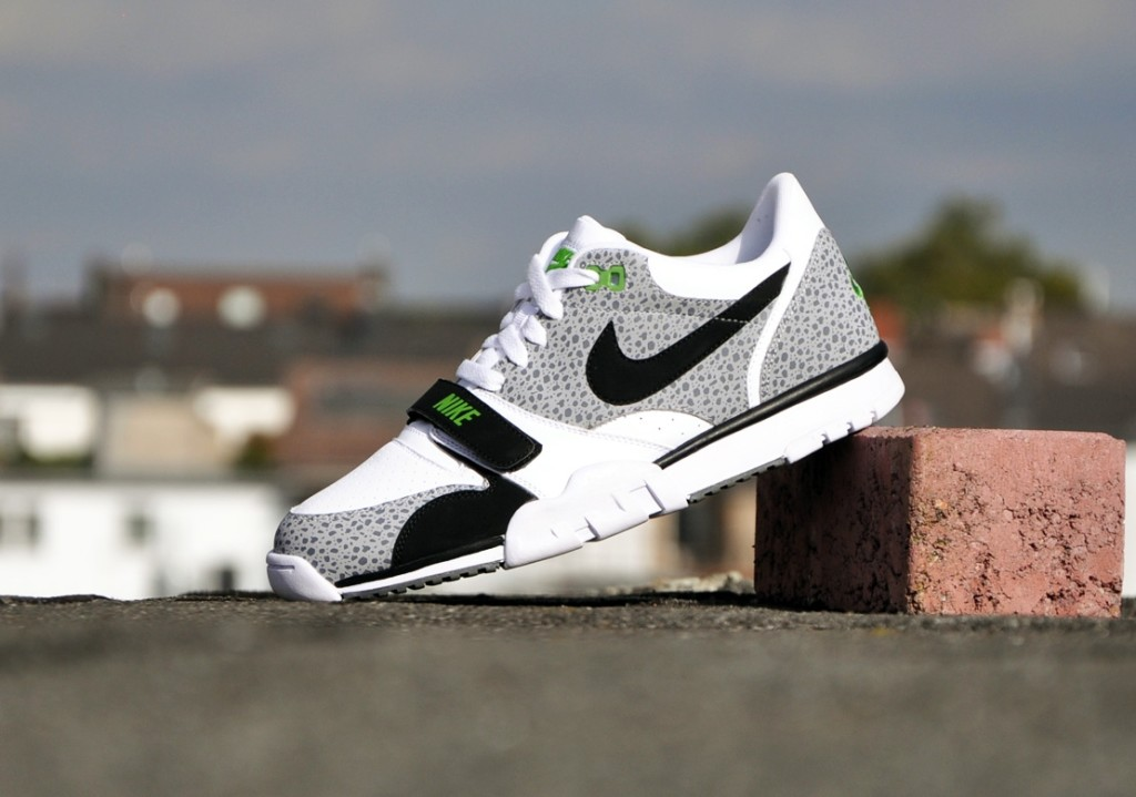 Nike-Air-Trainer-1-Low-St-white-black-wolf-grey-cl-grey_b6