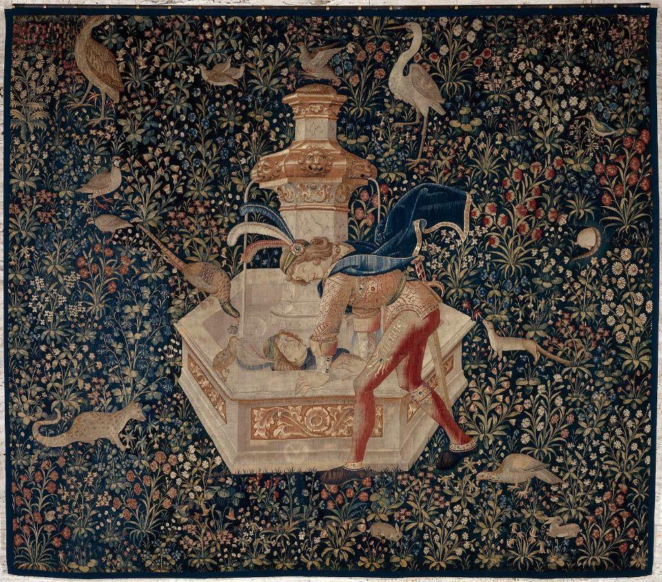 Шпалера Нарцисс восхищается собой в фонтане (Narcissesemirantdanslafontaine) была изготовлена между 1480 и 1520 годами во Фландрии. Возможно, первой владелицей была Анна Бретонская
