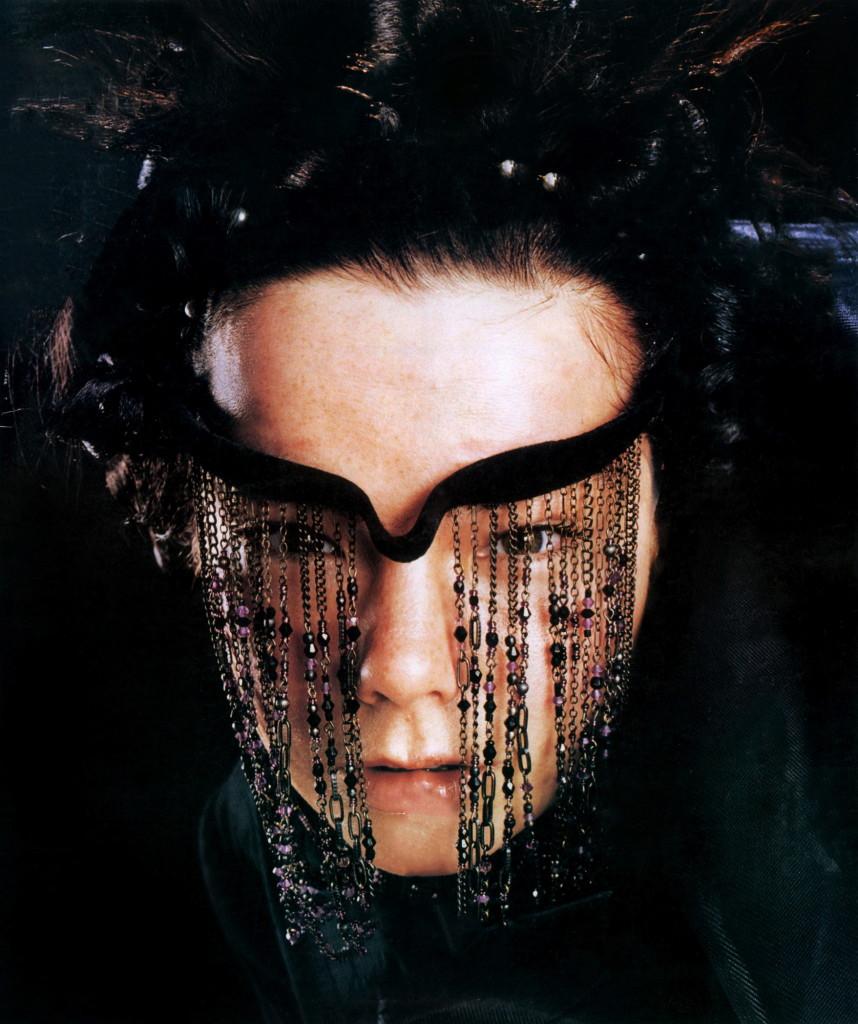 bjork-1997-john-scarisbrick--john-holden-01