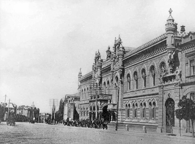 1890-е-годы-Институтская-номер-9-здание-Контора-Государственного-Банка-Российской-империи-в-Киеве