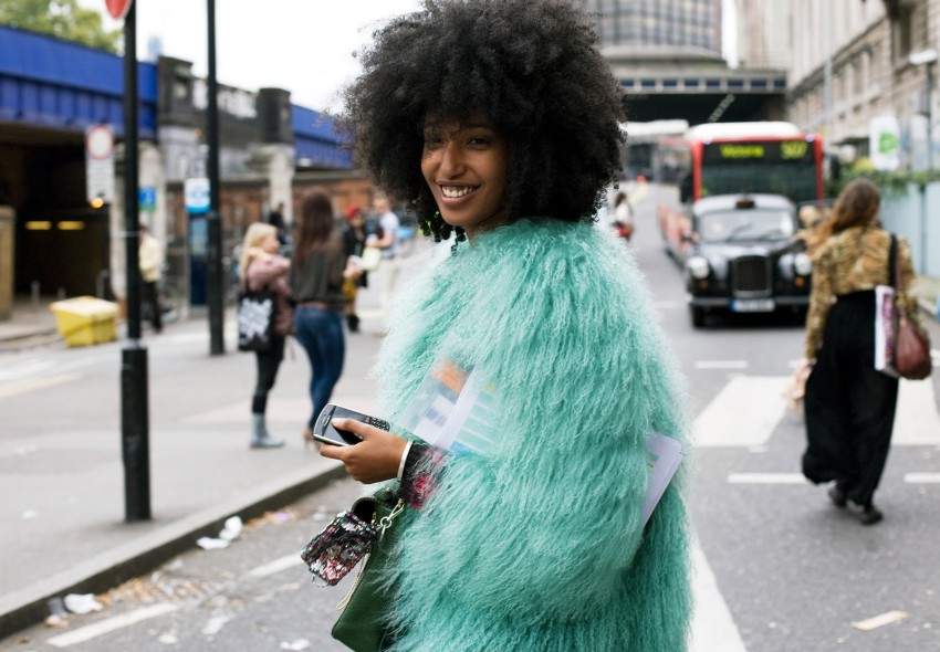 julia-sarr-jamois-vogue-com-photo-phil-oh-lfw2-street-style-04_142504281871