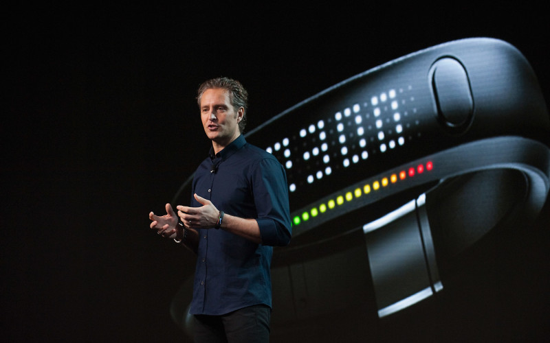 1280-nike_fuelband_launch_SOlander01_original