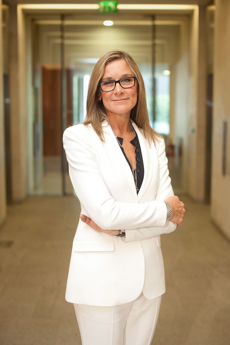 Angela-Ahrendts-GQ_14Oct13_getty_1280