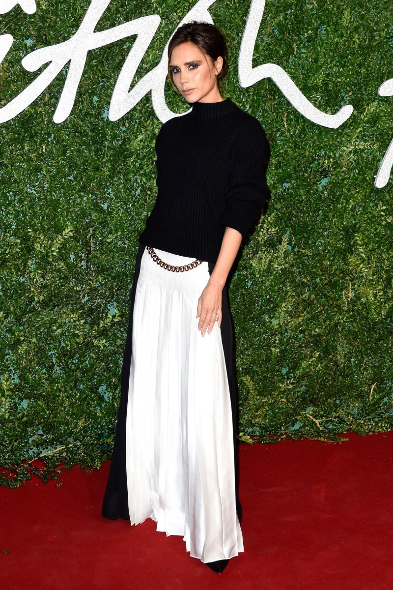 32-victoria-beckham-british-fashion-awards-vogue-1dec14-getty_b