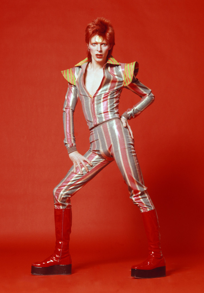 Costume-dessine¦ü-par-Kansai-Yamamoto-pour-Aladin-Sane-tour1973cSukita-The-David-Bowie-Archive