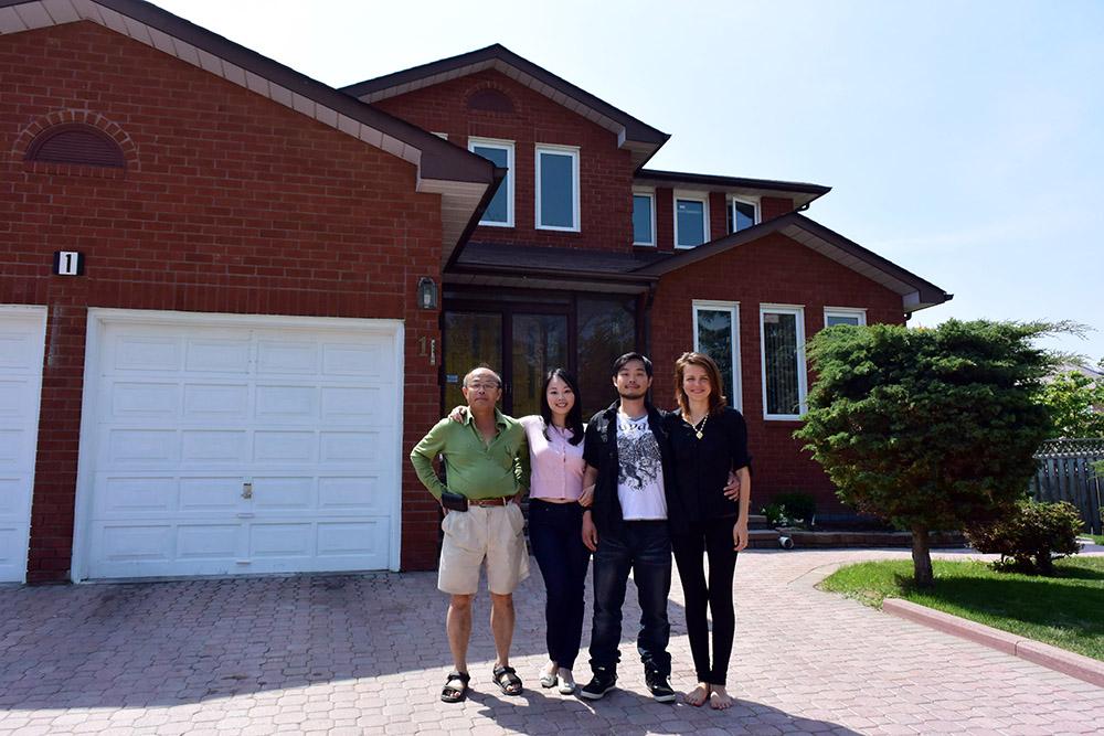 фото с семьей тайванцев2