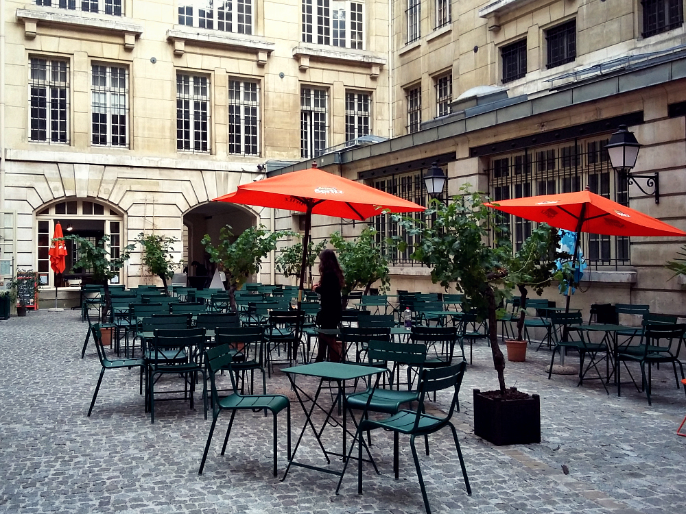 05 Cafe Cour, Paris  (4)
