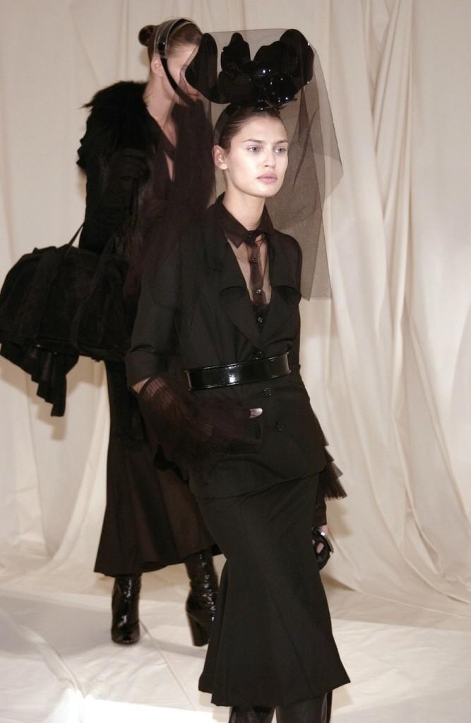 Givenchy+Fall+2005+xSF3WFJrZRax
