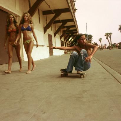 Hugh-Holland_Sidewalk-Surfer1