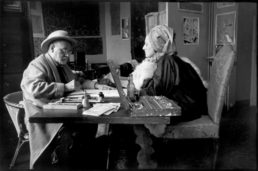 Henri MATISSE, French painter and his model, Lydia DELECTORSKAYA.Circa 1943-44. France. Alpes-Maritimes. Nice (Cimiez).