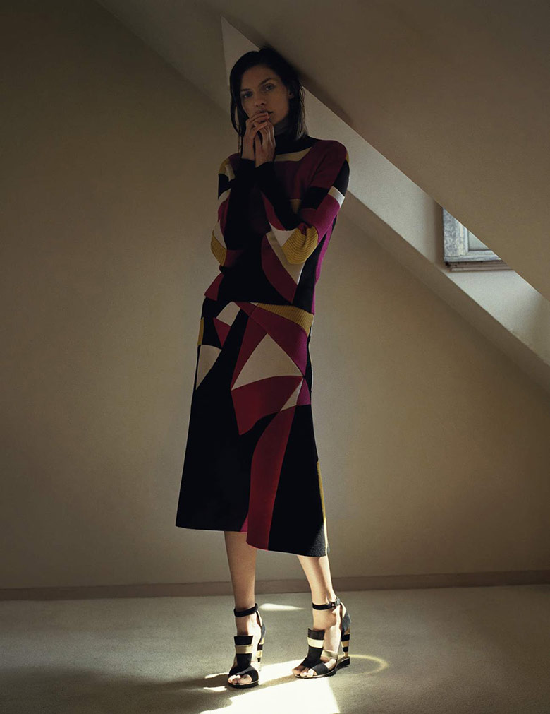 karolin-wolter-zoe-ghertner-uk-vogue-august-2015-9