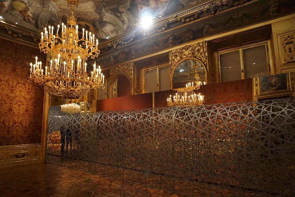 Синтез современного искусства и эпохи барокко