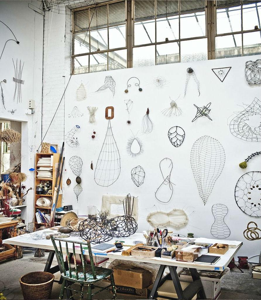 12 студий художников