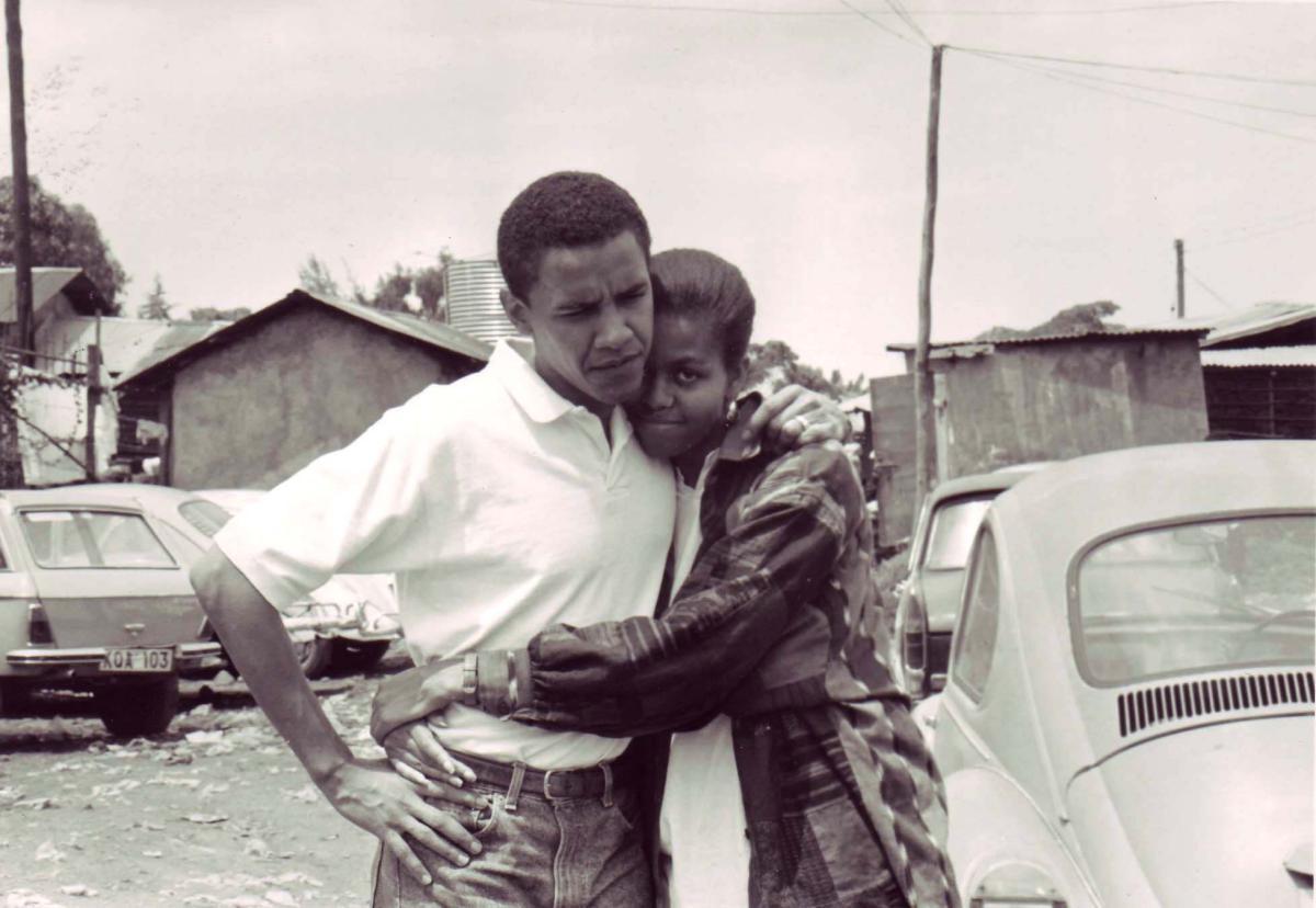 barack-obama-michelle-obama-love-story-romance-photos-02