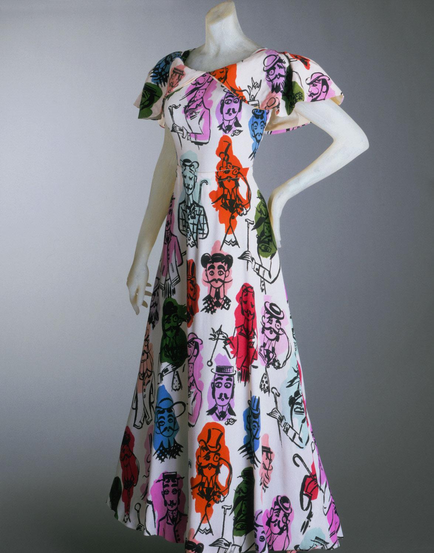 Эльза скиапарелли платья работа с проживанием для девушек в москве апартаментах