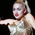 blond-ambition-world-tour-1990-3003-x-2000-2-mb