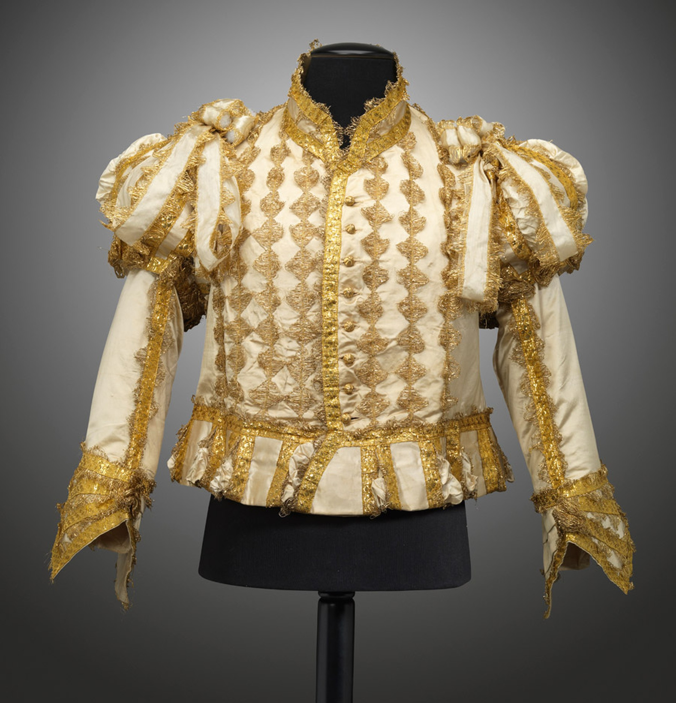 goldsmiths-silk-and-gold-jerkin-for-the-coronation-of-george-iv-jpg__2160x0_q90_crop-scale_subsampling-2_upscale-false