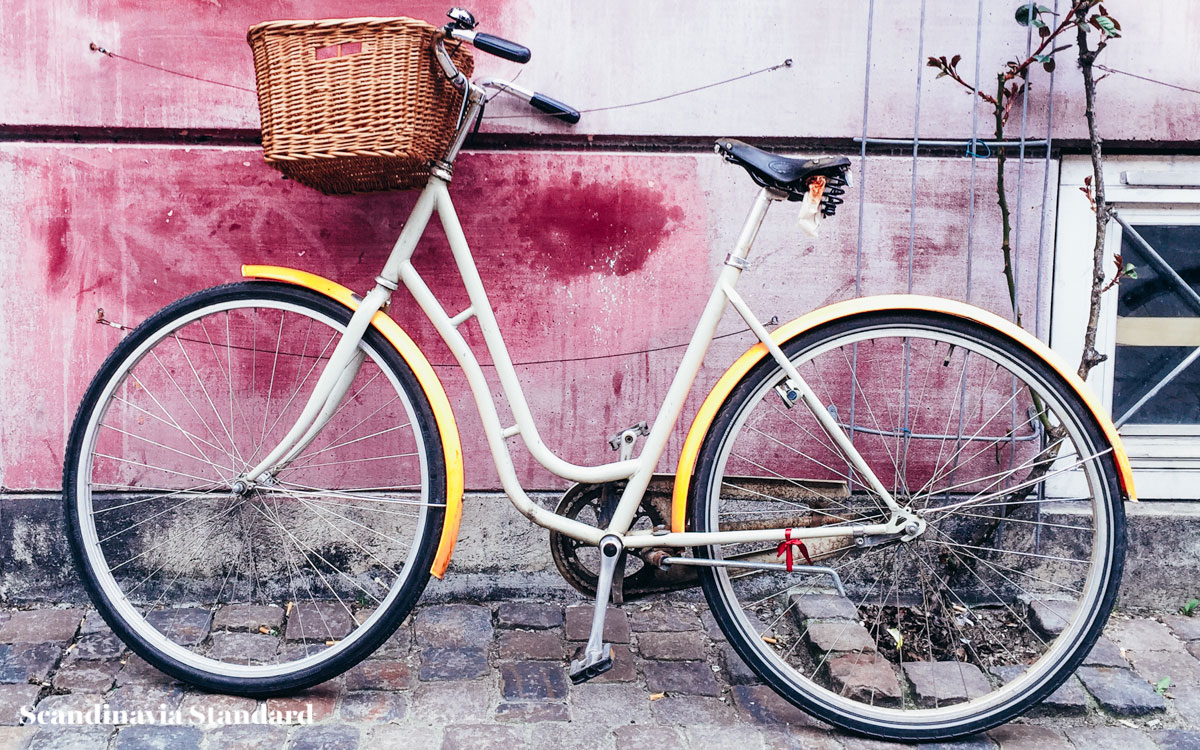 rent-bicycle-in-copenhagen-scandinavia-standard
