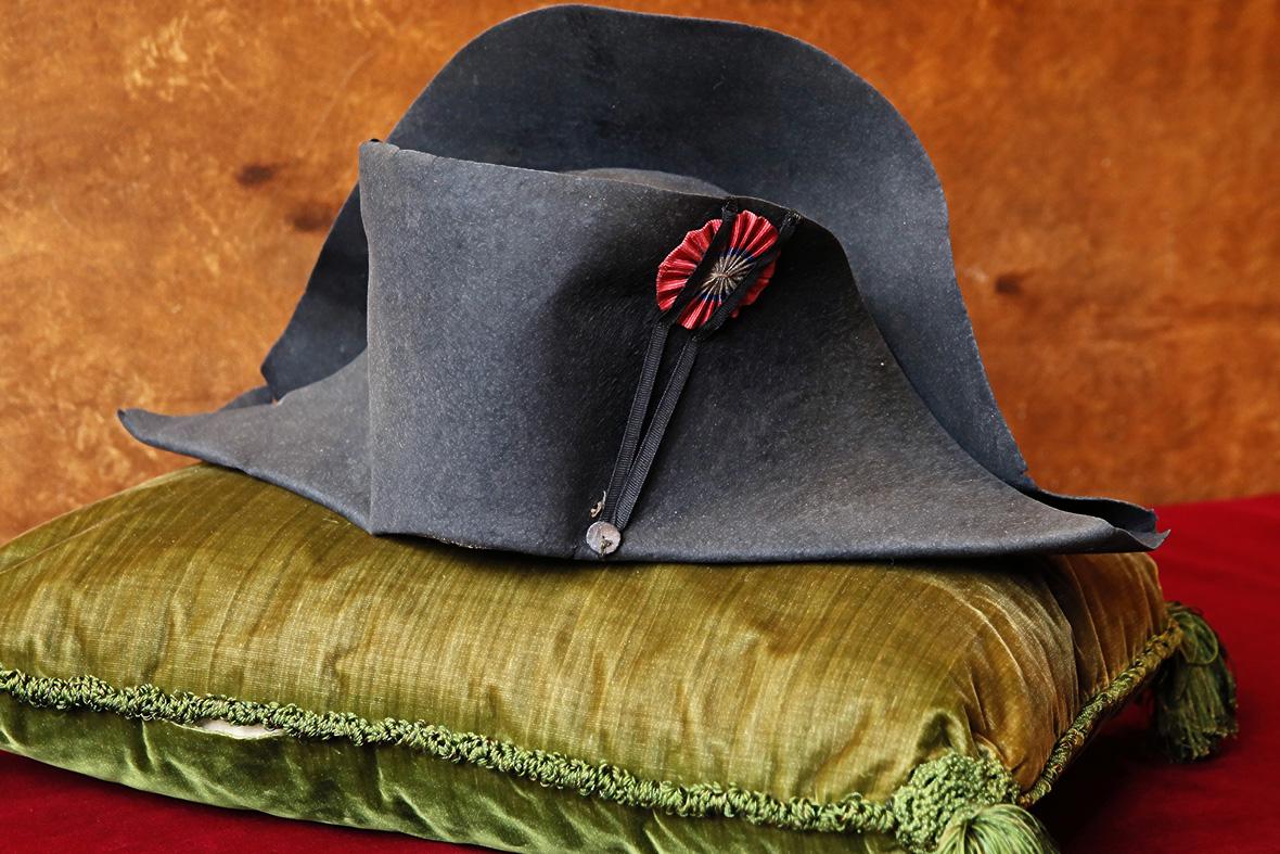 napoleon-hat