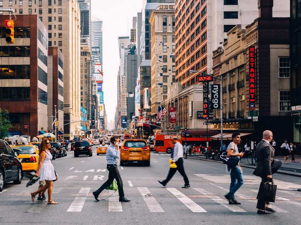new-york-city-streets-crosswalk-people-2