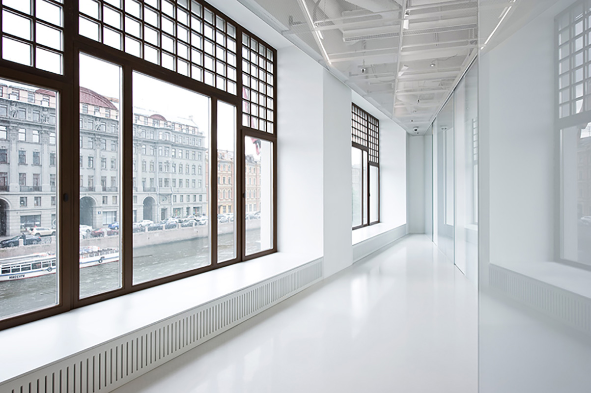 cheungvogl-selfie-room-au-pont-rouge-saint-petersburg-designboom-06