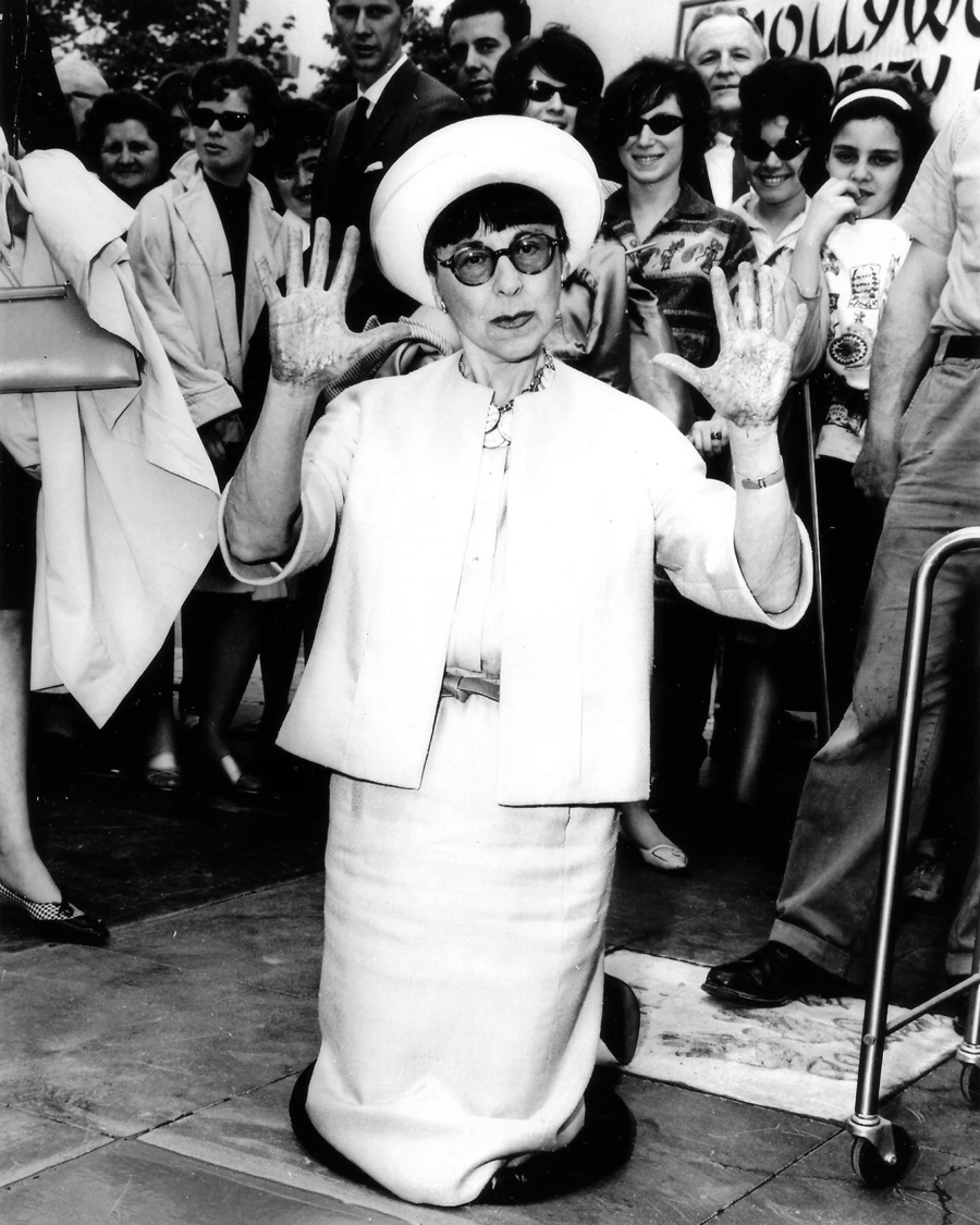 edith-head-handprint-ceremony1
