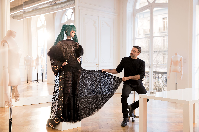 И Givenchy тоже