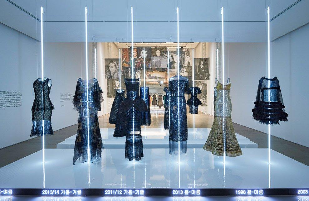 экспозиция Chanel