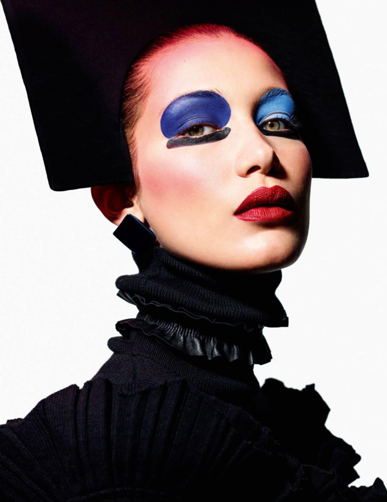Vogue_Paris-August_2016-03-Bella_Hadid-by-Mario_Sorrenti-2