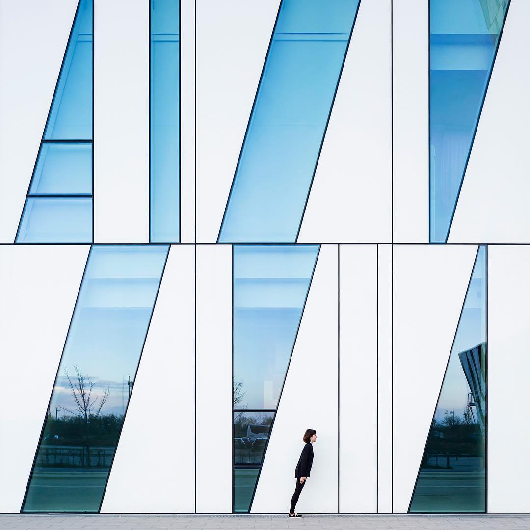 автопортреты и архитектура серия
