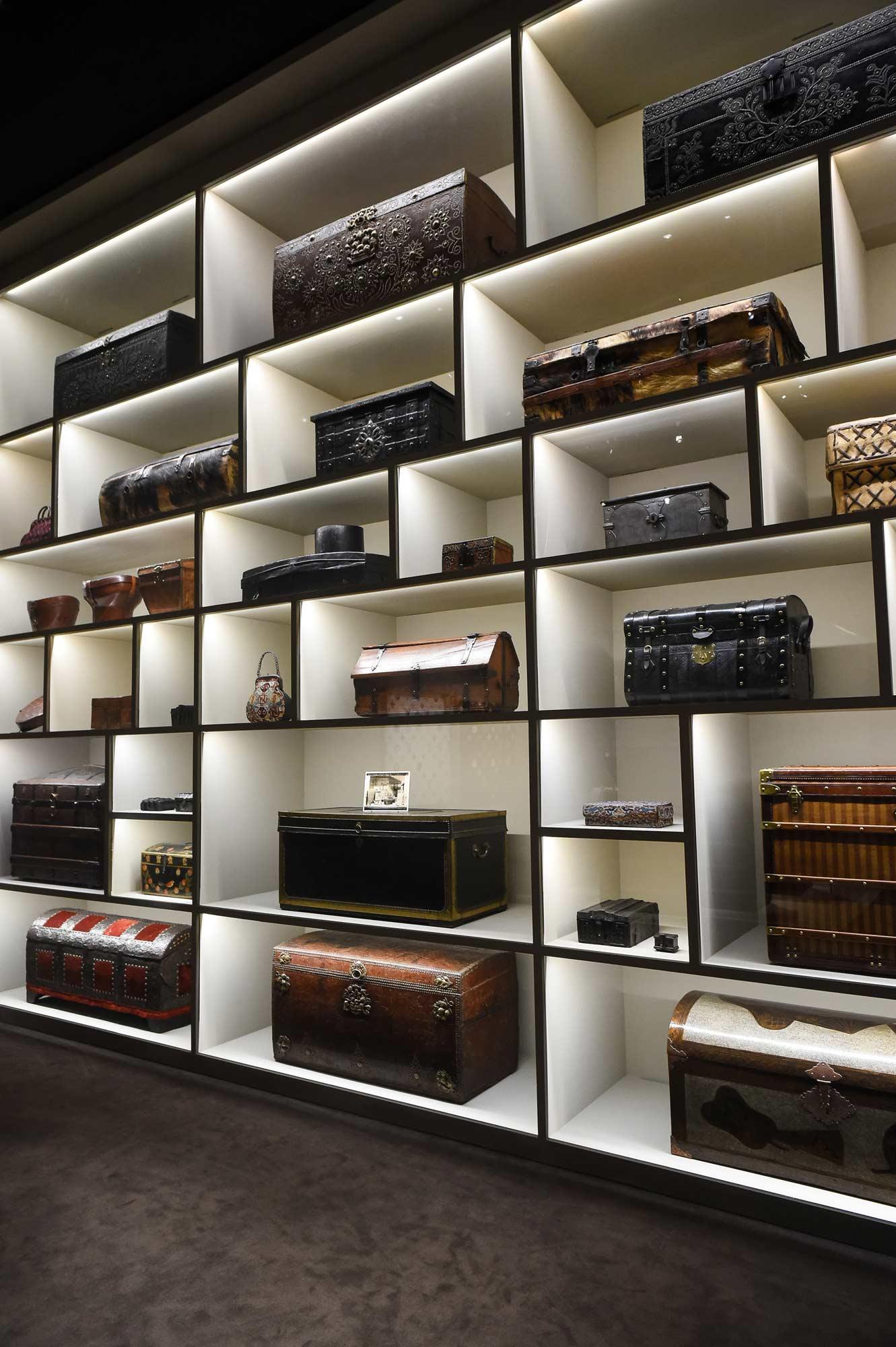 louis-vuitton-volez-voguez-voyagez-exhibition-new-york-11