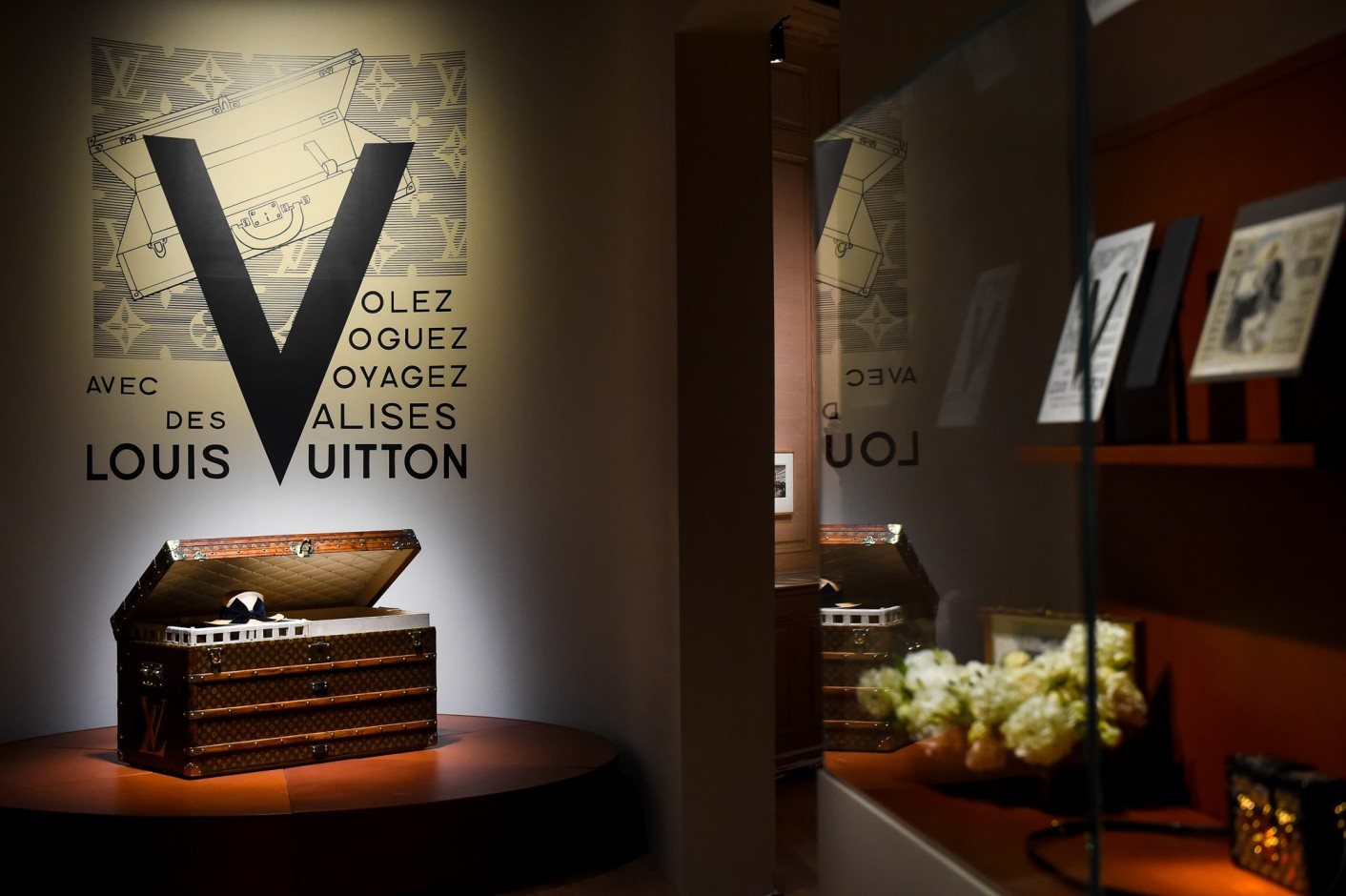 louis-vuitton-volez-voguez-voyagez-exhibition-new-york-15