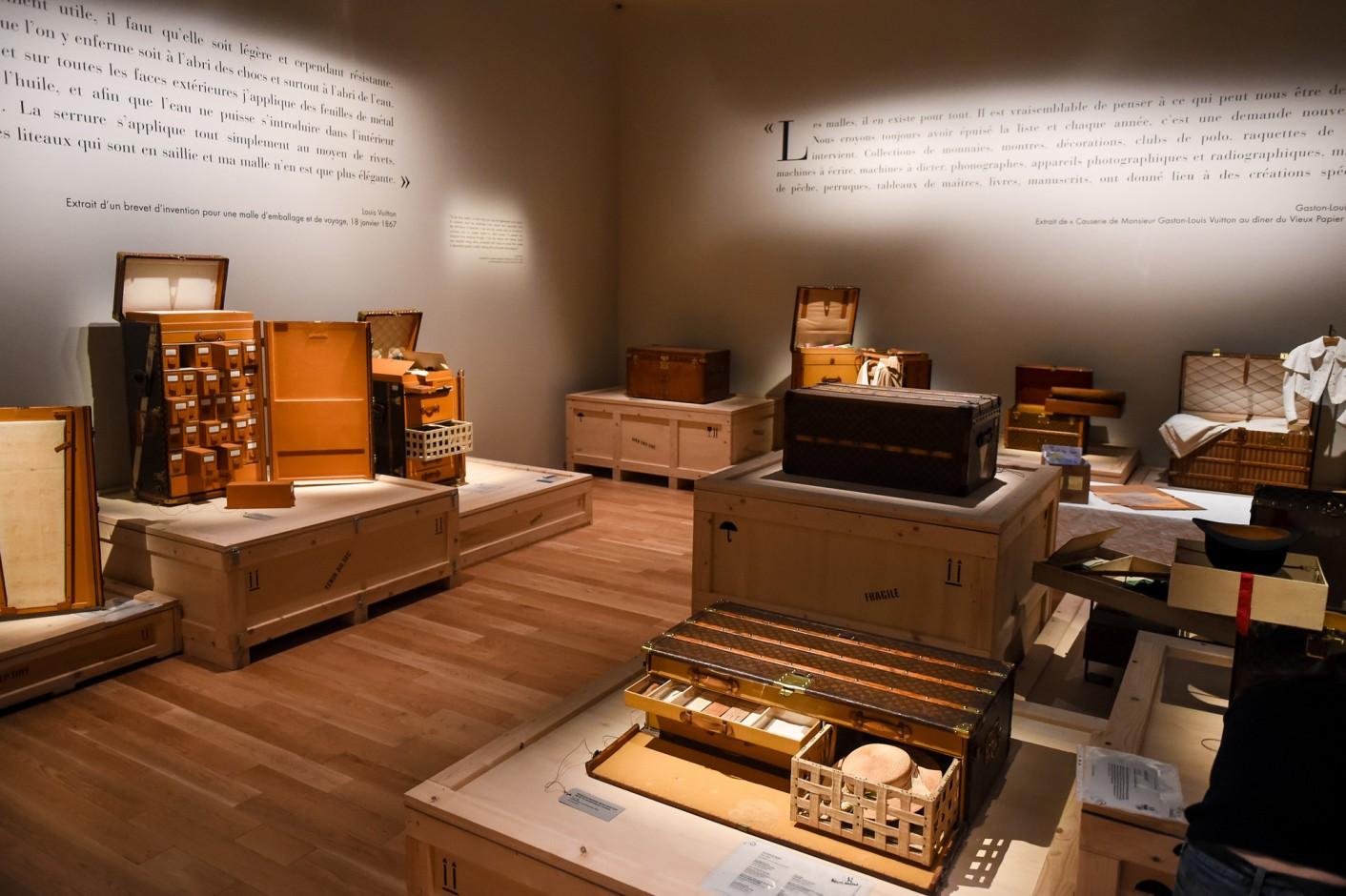 louis-vuitton-volez-voguez-voyagez-exhibition-new-york-2