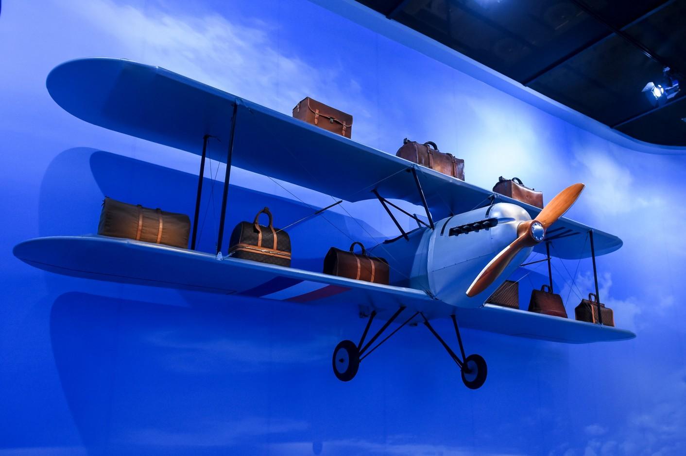 louis-vuitton-volez-voguez-voyagez-exhibition-new-york-5