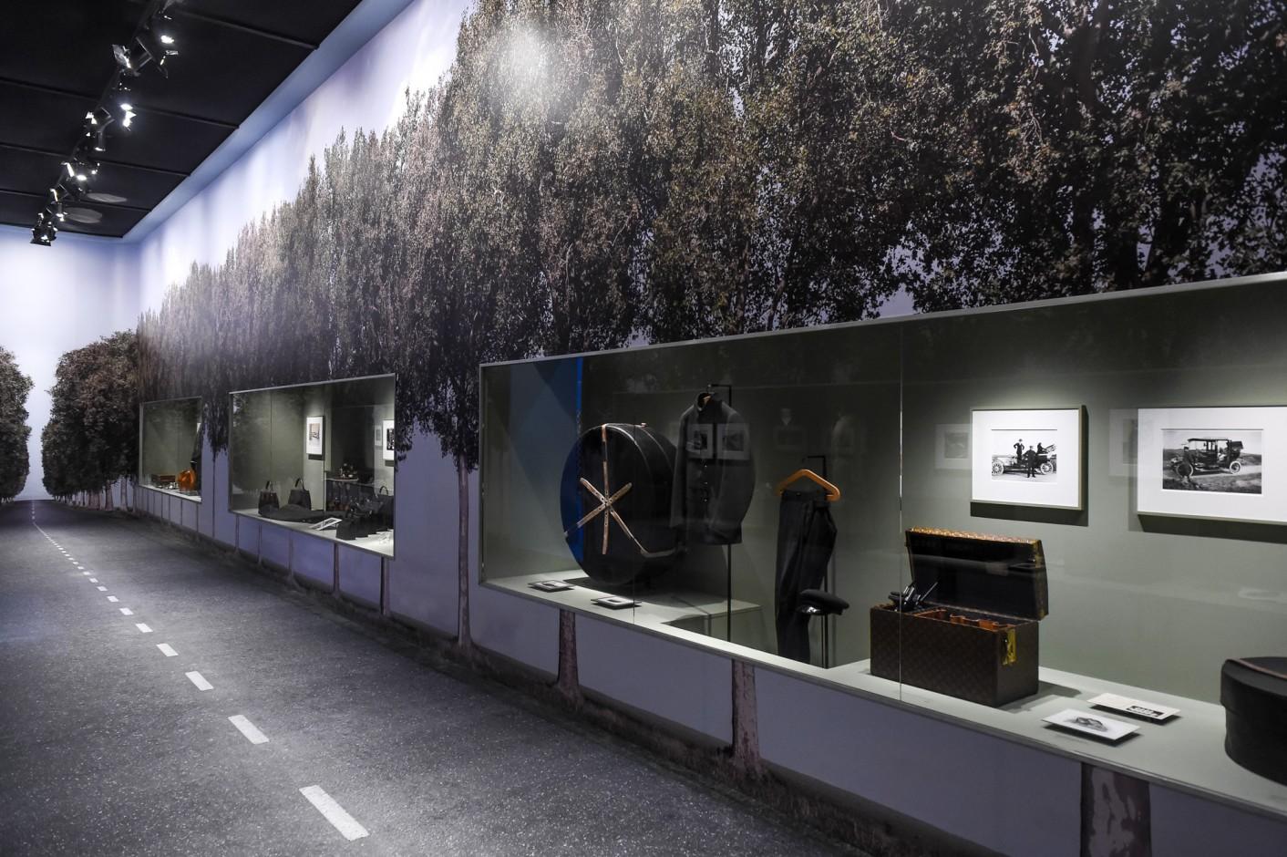 louis-vuitton-volez-voguez-voyagez-exhibition-new-york-7