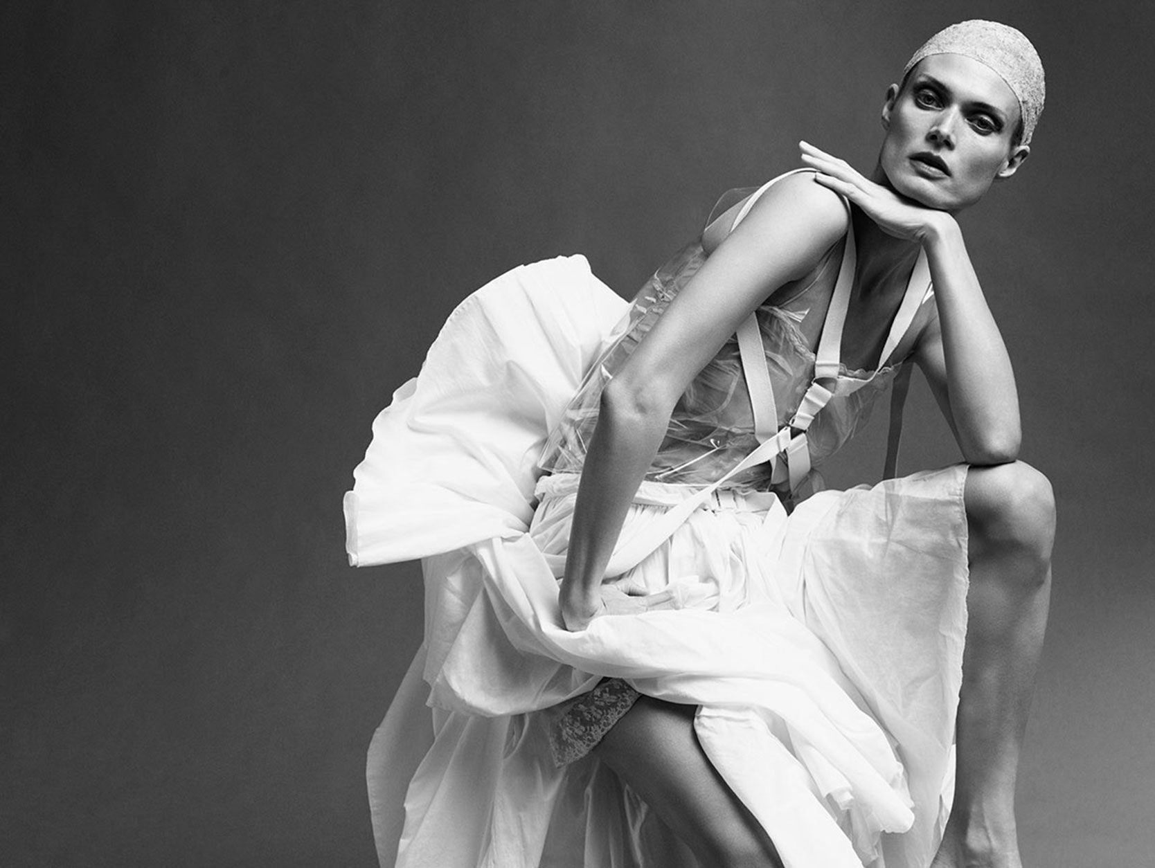 malgosia-bela-by-iango-henzi-and-luigi-murenu-for-exhibition-magazine-spring-summer-2016-13