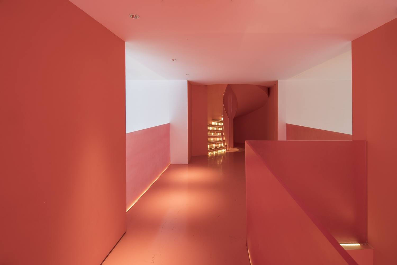12_Passage-2_Corridor_Layer/连廊层看向旋转楼梯