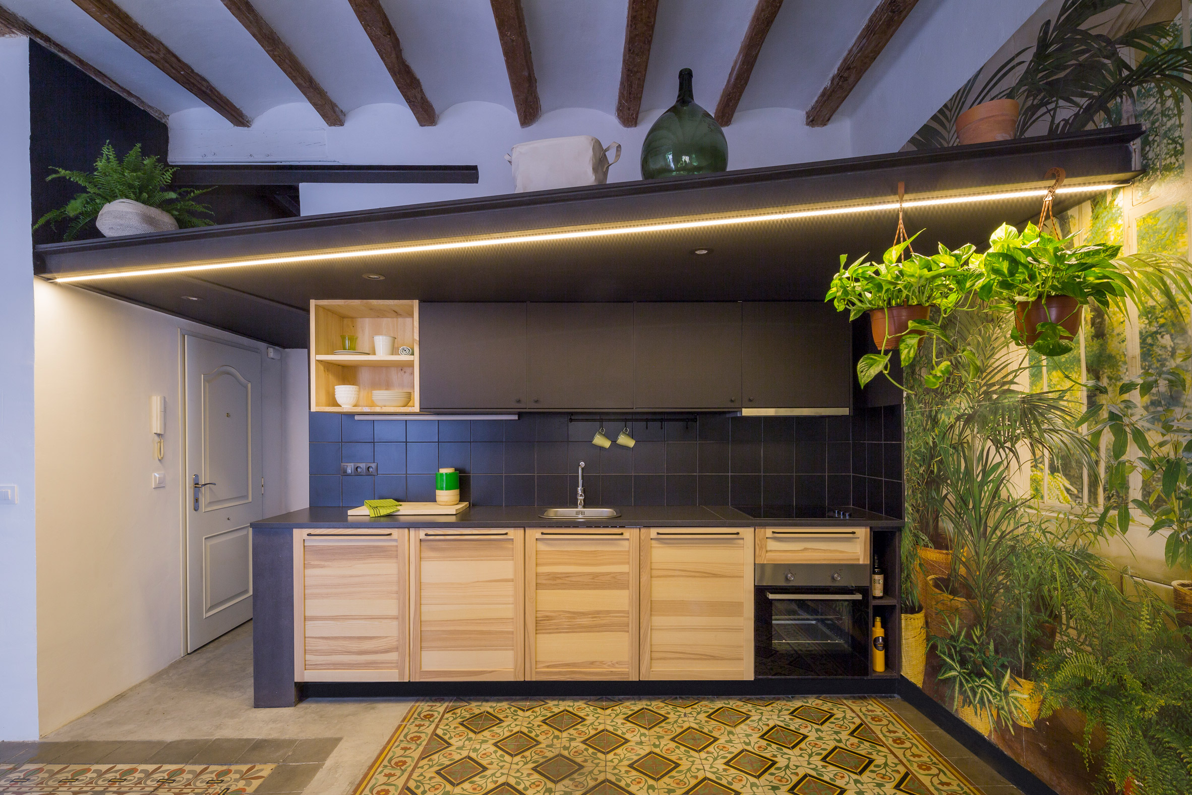 end-of-the-roc-nook-architects-interiors-apartments-spain-barcelona_dezeen_2364_col_3