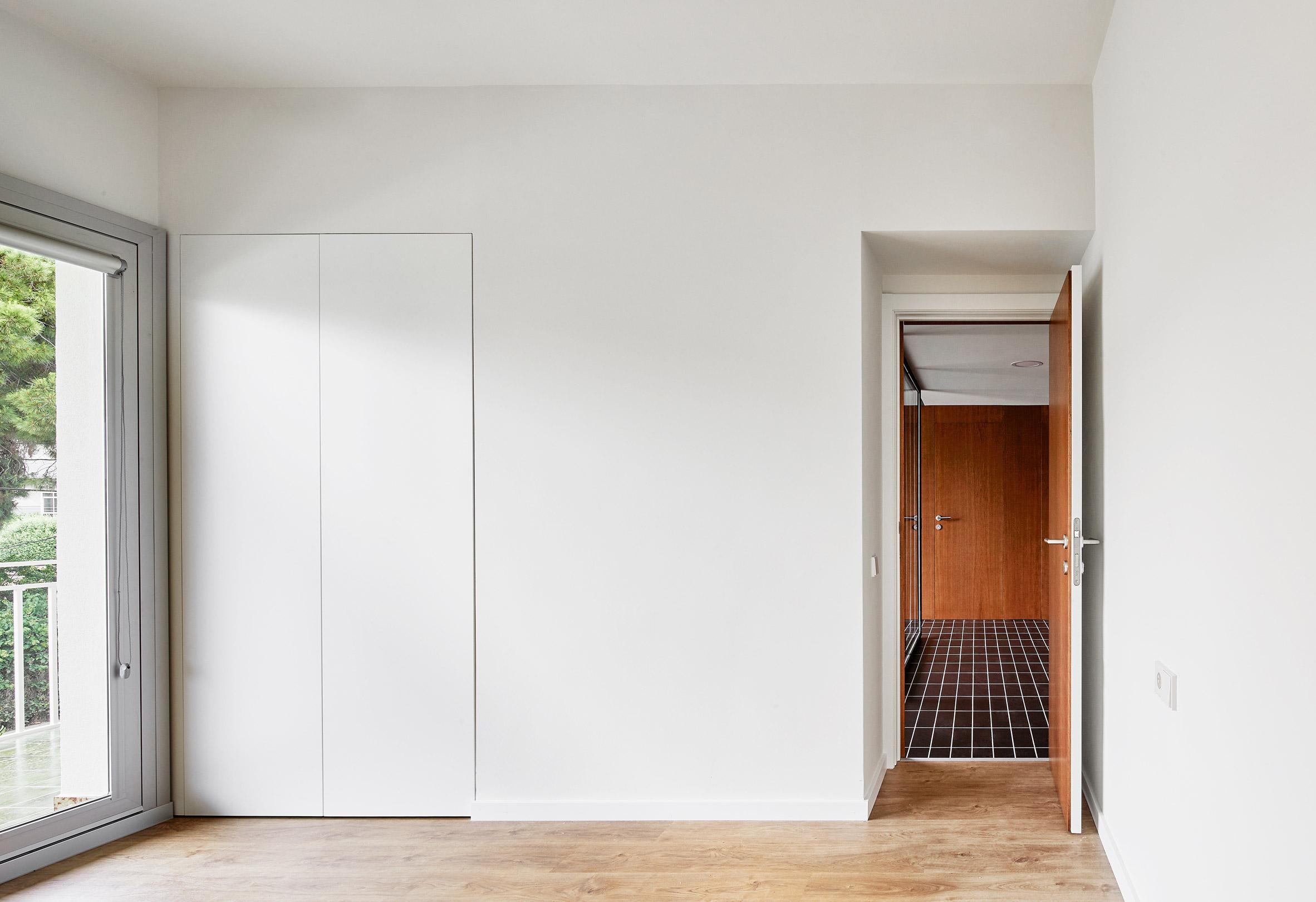 house-106-raul-sanchez-interiors_dezeen_2364_col_13