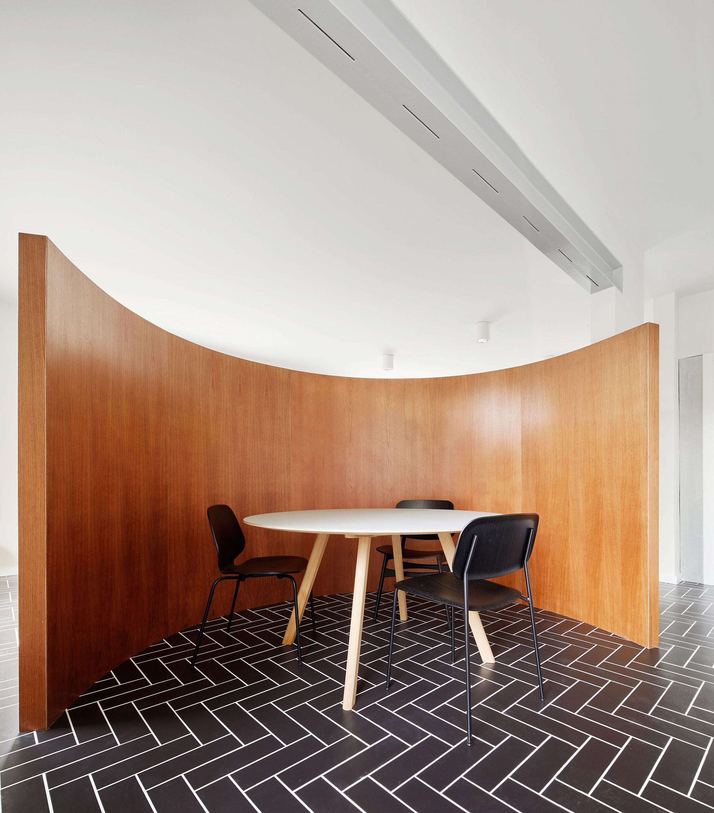 house-106-raul-sanchez-interiors_dezeen_2364_col_7