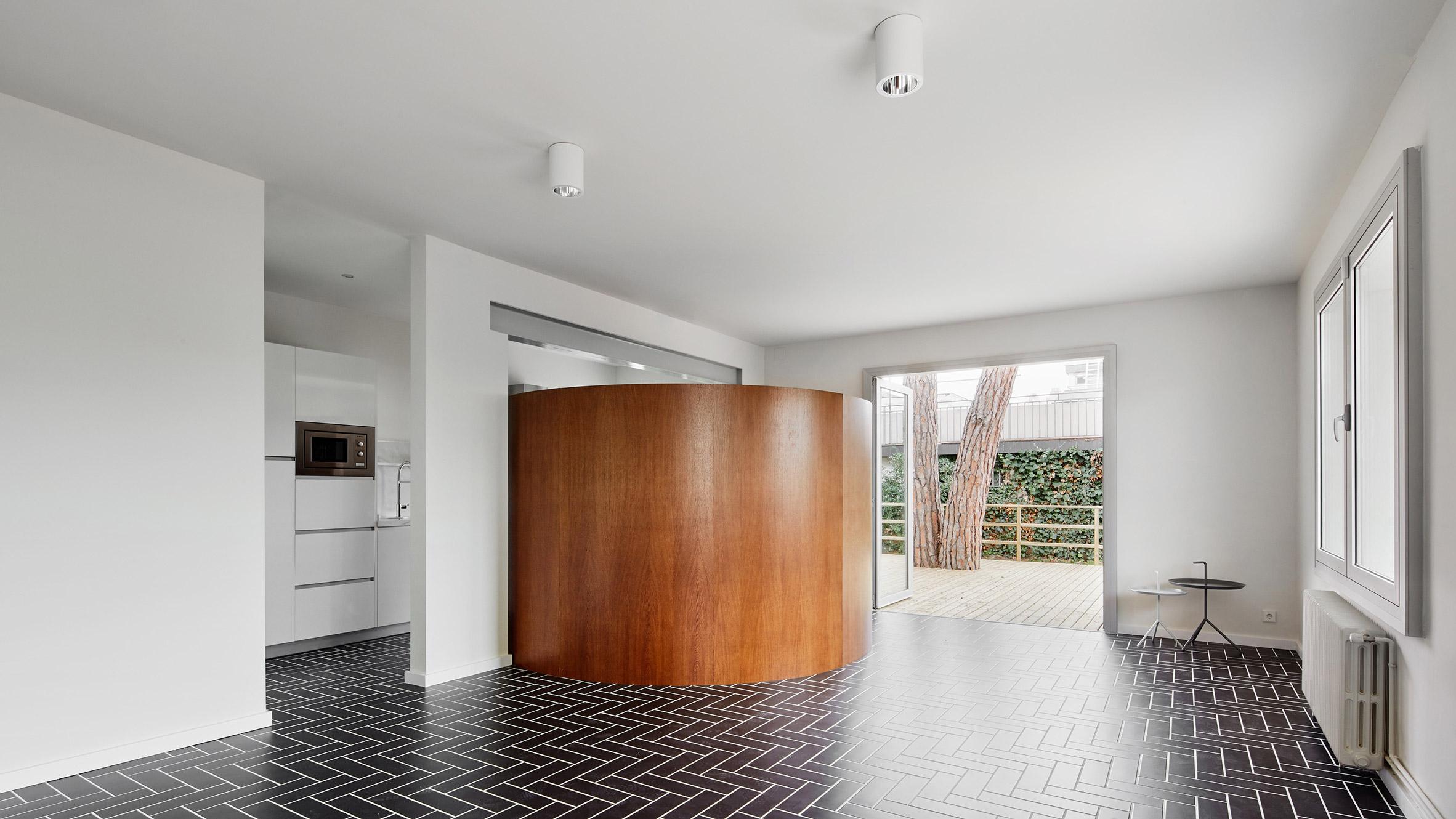 house-106-raul-sanchez-interiors_dezeen_hero-1