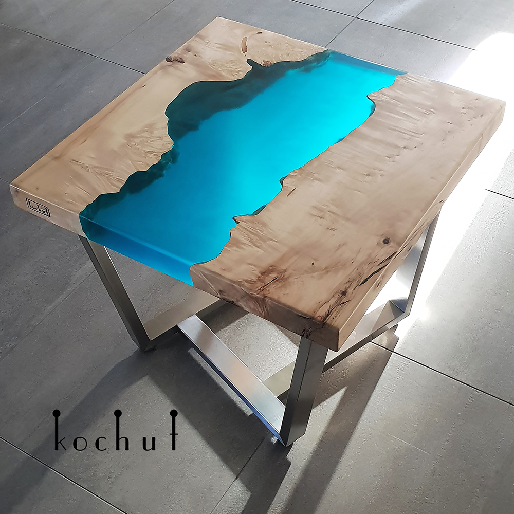 Кавовий стіл Санторіні Каліфорнійський клен Лазурна апоксидна смола-1