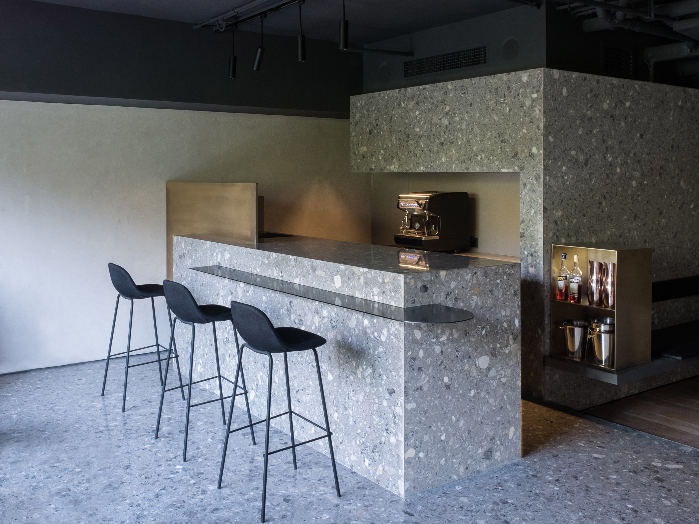 lievito-mddm-studio-interiors-restaurants-beijing-china_dezeen_2364_col_3