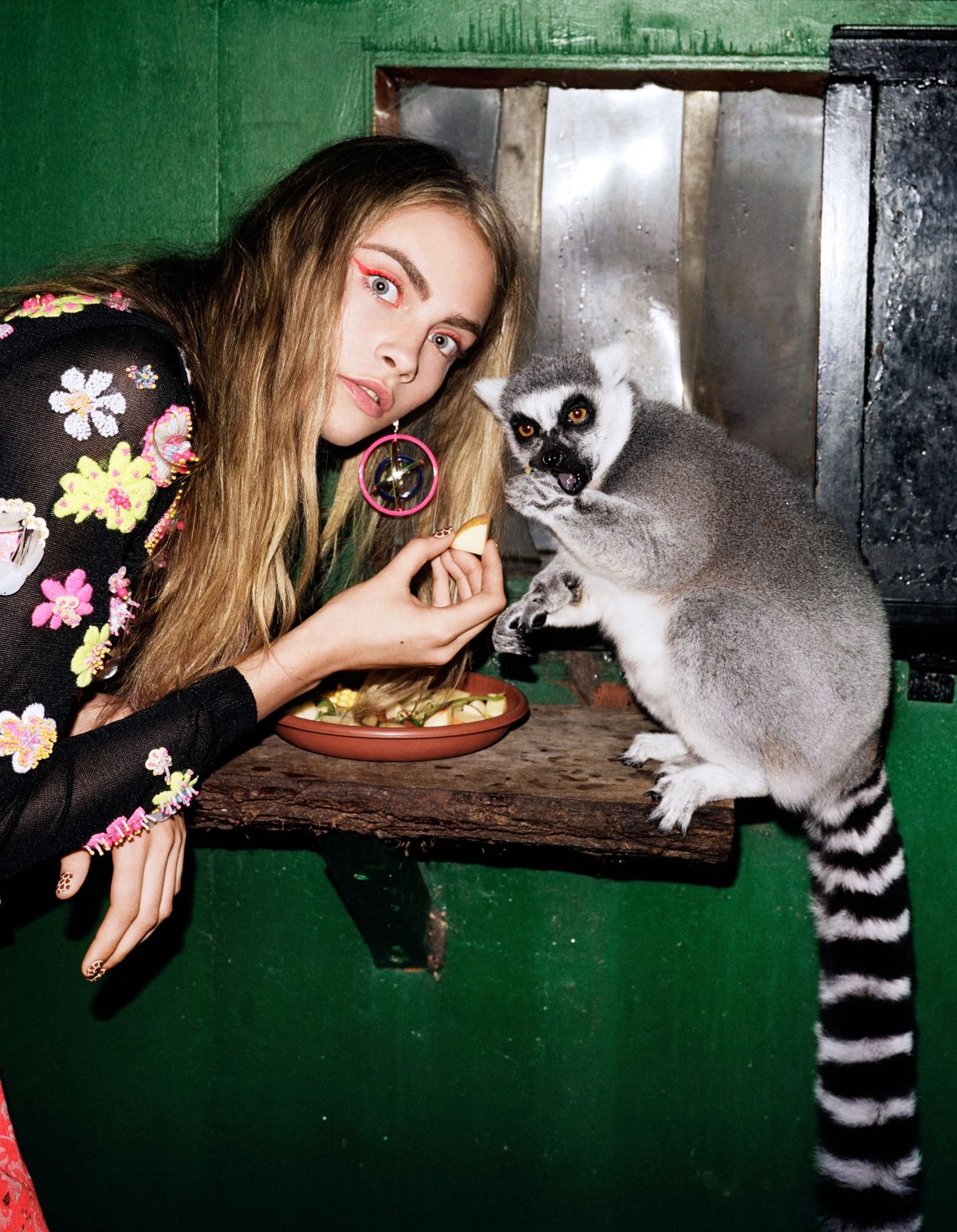 cara-delevingne-at-2012-angelo-pennetta-photoshoot_4