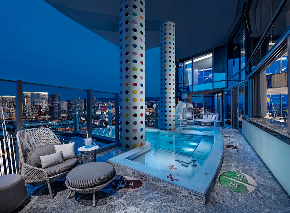 https___hypebeast.com_image_2019_03_damien-hirst-empathy-suite-palms-casino-resort-1