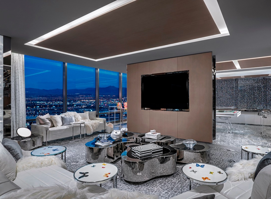 https___hypebeast.com_image_2019_03_damien-hirst-empathy-suite-palms-casino-resort-14