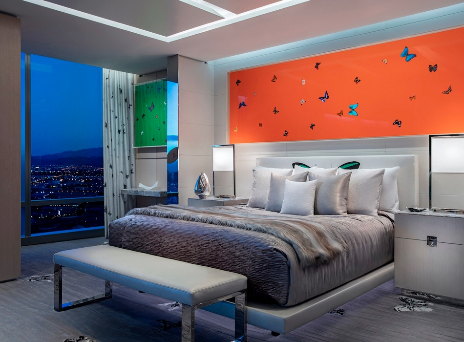 https___hypebeast.com_image_2019_03_damien-hirst-empathy-suite-palms-casino-resort-5