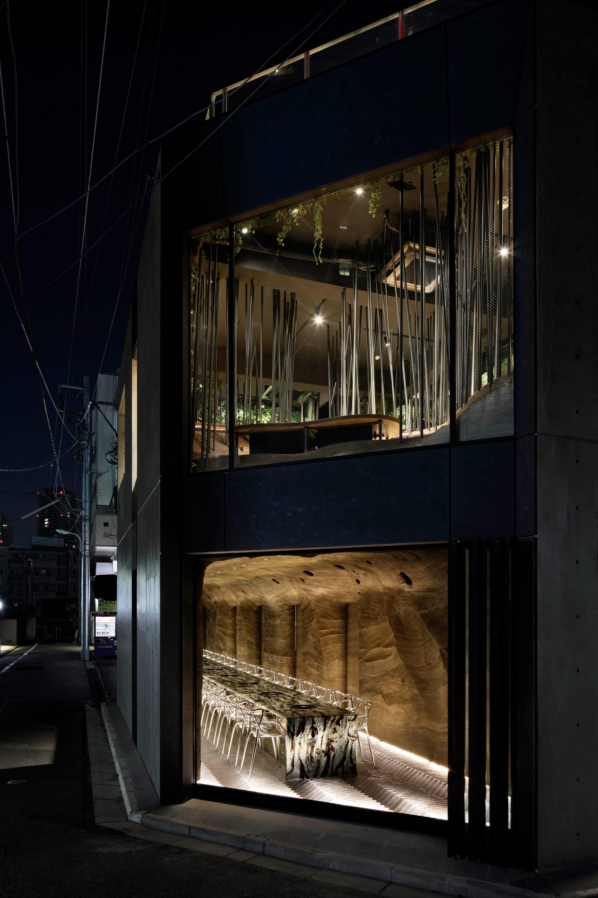 nikunotoriko-restaurant-interiors-tokyo-ryoji-Iedokoro-japan_dezeen_2364_col_0