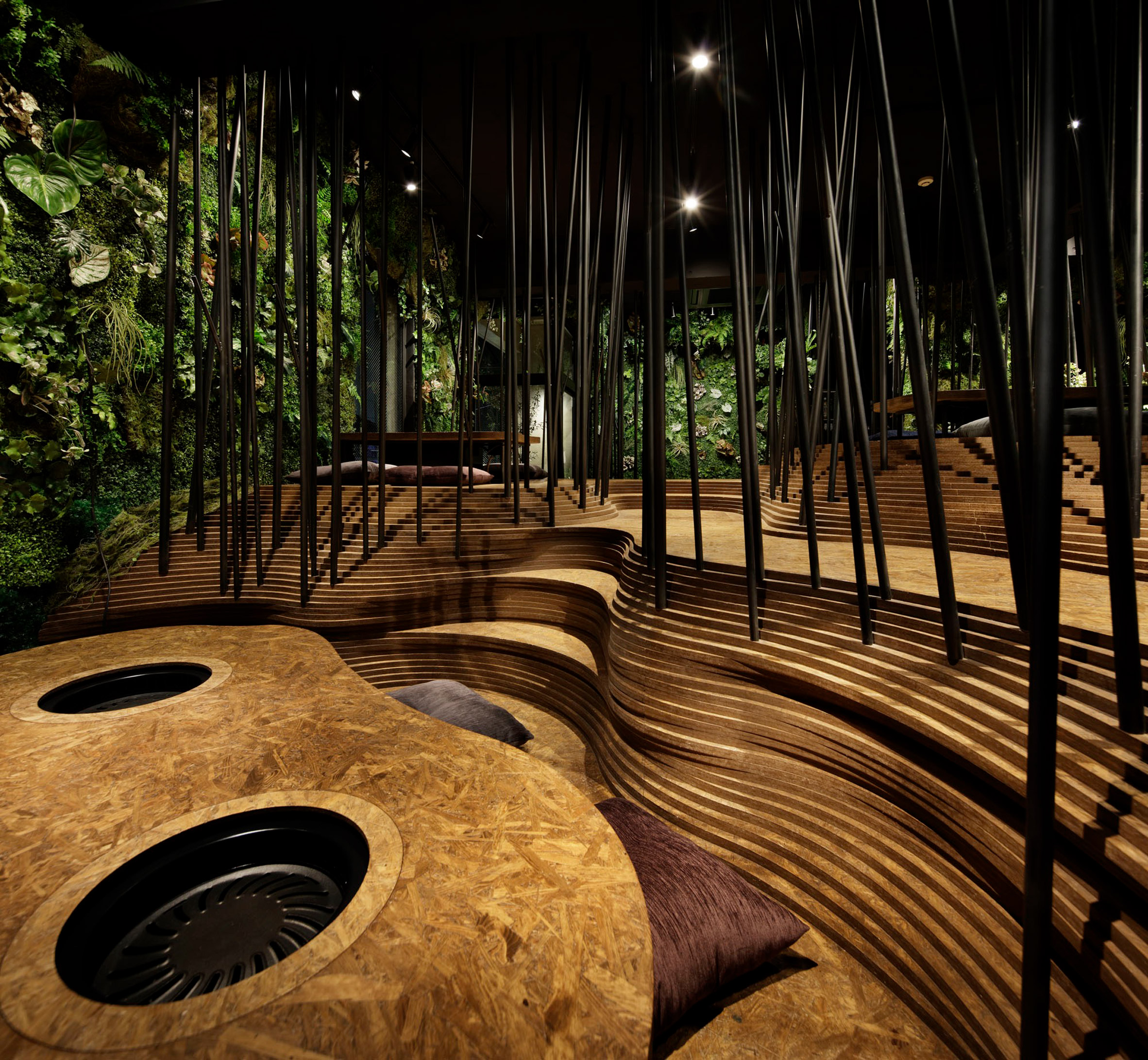 nikunotoriko-restaurant-interiors-tokyo-ryoji-Iedokoro-japan_dezeen_2364_col_14