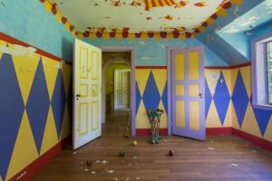 Как выглядит заброшенный дом цирковой семьи